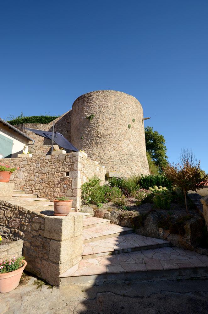 Tour médiévale de Mallièvre