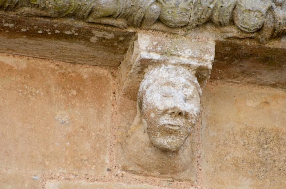 Modillon sculpté Vouvant
