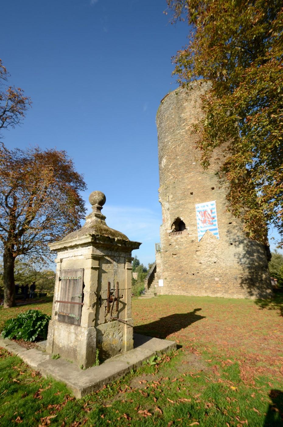 Fontaine tour Mélusine