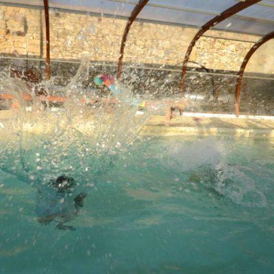 plongeon dans la piscine du Relay de la Source